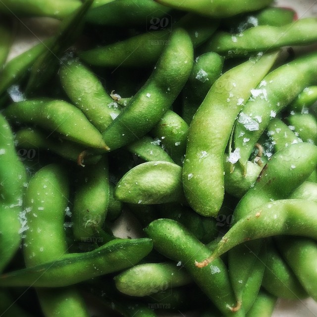 stock-photo-food-snack-vegetable-green-healthy-beans-salt-edamame-a8b93877-2add-4a32-a6df-5481f30e117b
